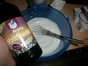 Aronia VollFrucht mit Naturjoghurt